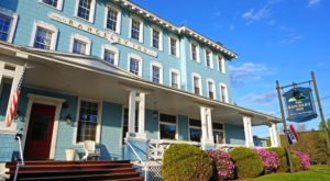 These 9 Incredible Restaurants Are Hiding Inside Maine Hotels And You'll Want To Try Them