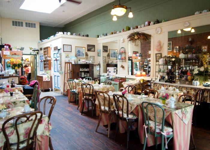 Kathleen S Tea Room In New York Is Like A Storybook