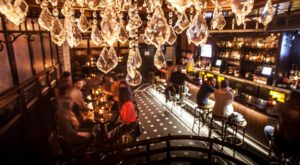 The Hidden Speakeasy In Milwaukee That Will Transport You To Another Era