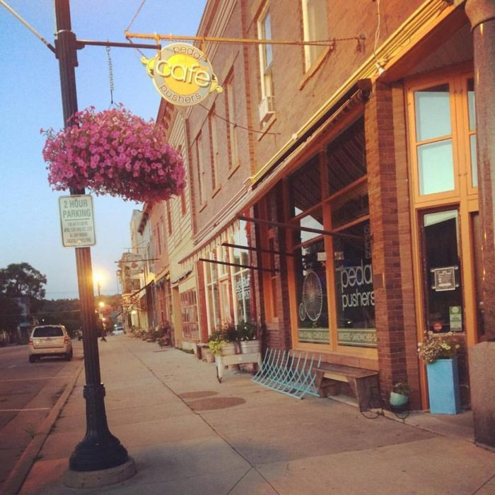 The Uptowner Cafe On Grand St Paul Mn