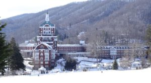 The History Behind This Remote Hotel In Virginia Is Both Eerie And Fascinating