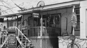 The Oldest Bar In Iowa Has A Fascinating History