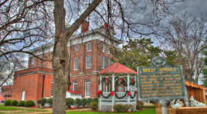 You'll Never Forget A Trip To The Most Enchanting Town In All Of Mississippi