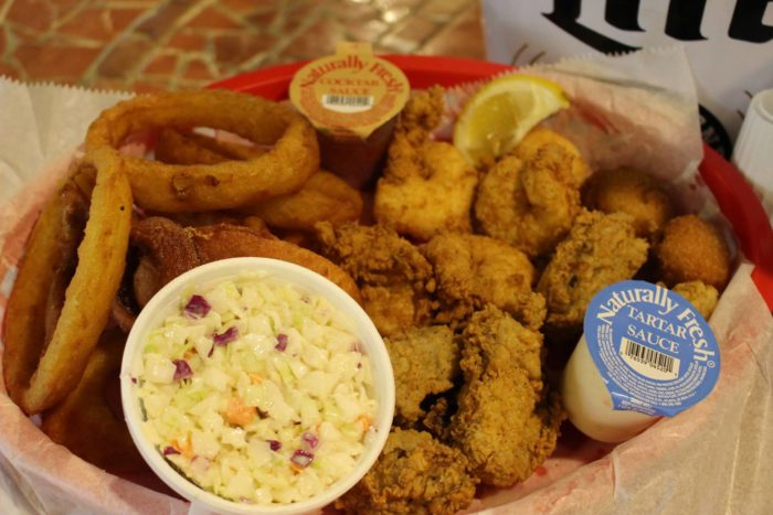 12 alabama restaurants you must try in 2018 for Fish river grill fairhope al