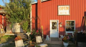 Everyone In New Jersey Should Visit This Amazing Antique Barn At Least Once