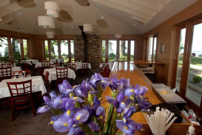 Secluded Waterfront Restaurant In Ohio The Lakehouse Inn