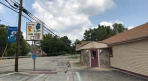 Warm Up In This Hole-In-The-Wall Restaurant With The Tastiest Wings In Kentucky