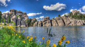 9 Reasons You'll Fall In Love With South Dakota's State Parks Over And Over Again