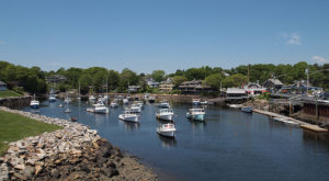 14 Charming Small Towns That Seem Tailor-Made For Mainers