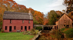 The Historic Small Town That Every Rhode Islander Should Visit At Least Once