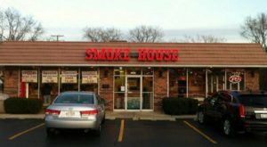 10 Crave-Worthy Smokehouses In Illinois Locals Can't Get Enough Of