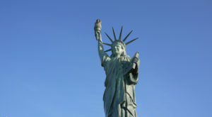 Most People Don't Know There's Two Little Statues Of Liberty In Kansas City