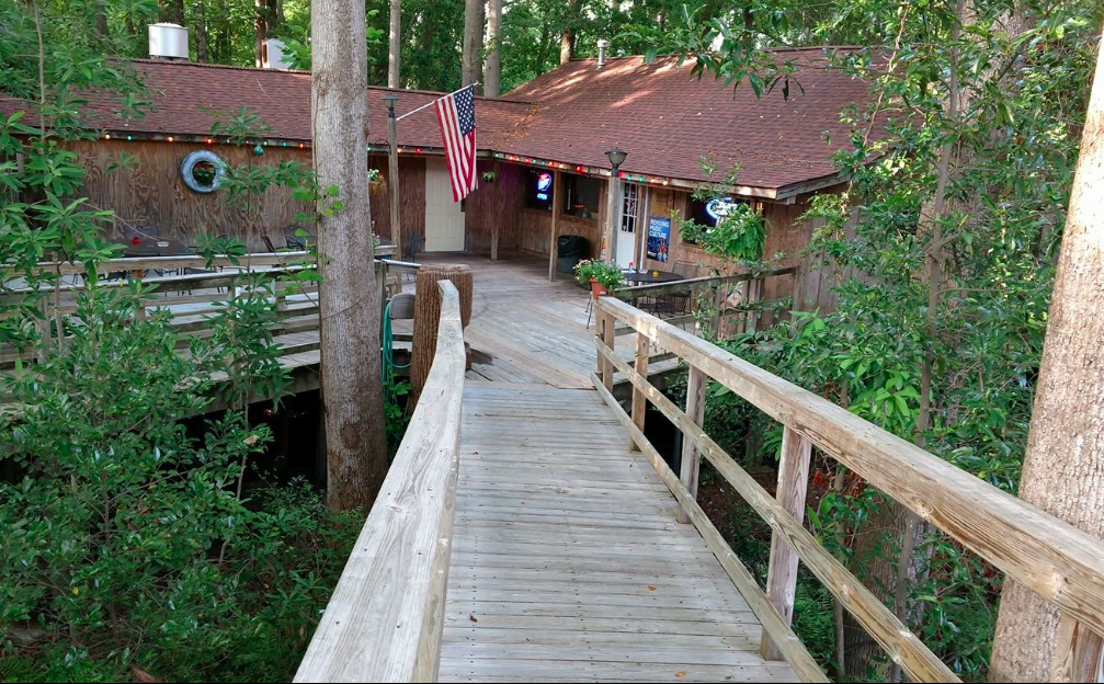 The Treehouse Restaurant In Georgia That S Straight Out Of