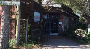 The Unassuming Texas Restaurant That Serves The Best Seafood You've Ever Tried