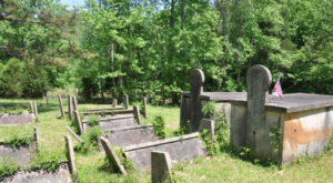 You Won't Find These Bizarre Gravestones Anywhere But Tennessee
