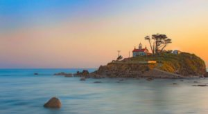 12 Gorgeous Coastal Lighthouses That Will Have You Dreaming Of Summer