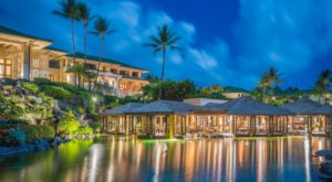 This Restaurant In Hawaii Is Surrounded By A Lagoon And Will Simply Enchant You