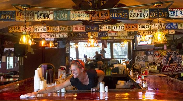 Gilhooleys Restaurant And Oyster Bar Menu