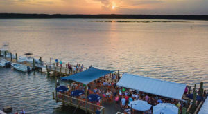 This Secluded Waterfront Restaurant In South Carolina Is One Of The Most Magical Places You'll Ever Eat