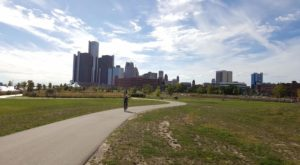This Hike In Detroit Will Give You An Unforgettable Experience