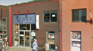 The Unassuming Pittsburgh Restaurant That Serves The Best Seafood You've Ever Tried
