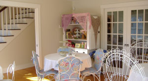 The Whimsical Tea Room In Maine That's Like Something From A Storybook