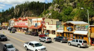 The Hilltop Town In South Dakota That's Surrounded By The Most Beautiful Scenery