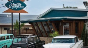 You'll Absolutely Love This 50s Themed Diner In Austin
