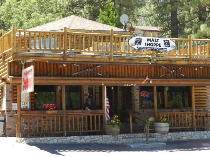 Visit the old fashioned small town of green valley lake in for Small towns in southern california