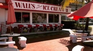 The Old Fashioned Ice Cream Shop In Florida That Will Take You Back To The 1960s
