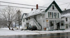 This Charming Restaurant In The Heart Of The Maine Highlands Is A Dream