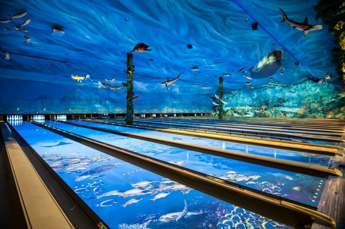 this ocean themed bowling alley and restaurant in connecticut is