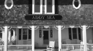 The History Of This Remote Hotel In Delaware Is Both Eerie And Fascinating