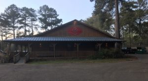 Eat Endless Fried Catfish At This Rustic Restaurant In Mississippi