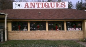 The Small Town Near Pittsburgh That's Absolute Heaven If You Love Antiquing