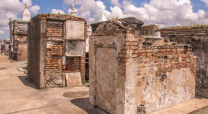 These 7 Haunted Locations In New Orleans Will Scare The Wits Out Of You