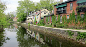 This Charming Canal Town In New Jersey Is Like Something From A Dream