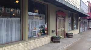 The Tiny Town In West Virginia That's Absolute Heaven If You Love Antiquing