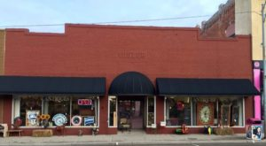 The Small Town In Kansas That's Absolute Heaven If You Love Antiquing