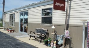 The Tiny Town In Illinois That's Absolute Heaven If You Love Antiquing