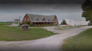 The Illinois Steakhouse In The Middle Of Nowhere That's One Of The Best On Earth
