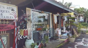 The Tiny Town In Hawaii That's Absolute Heaven If You Love Antiquing