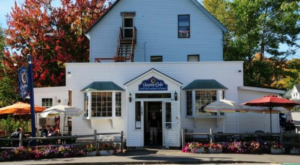 This Colorful Cafe In New Hampshire Serves Simply Amazing Food