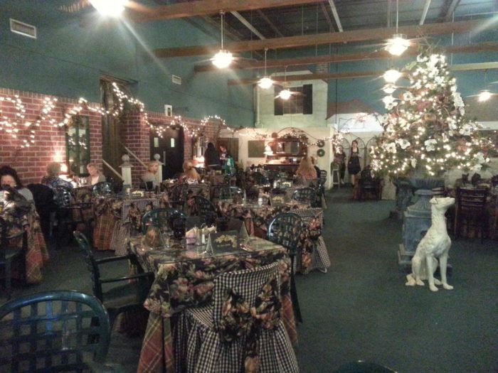 Decorator S Warehouse Is The One Place In Dallas Fort