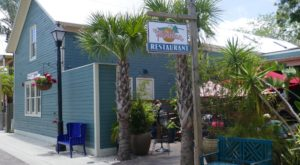 The Kitschy Seaside Cafe In Florida You'll Want To Visit Time After Time