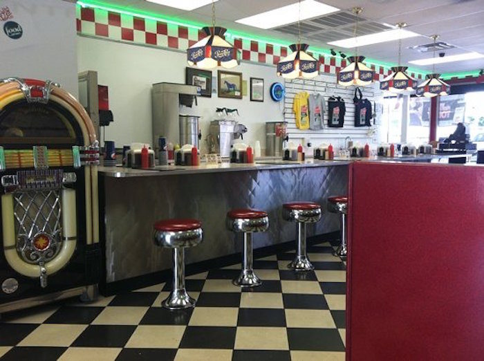 Parkette Drive In Is A 50s Themed Diner In Kentucky That