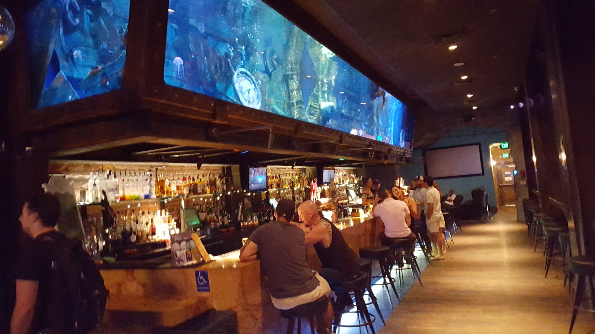 You can watch mermaids at dive bar in northern california for Bar dive