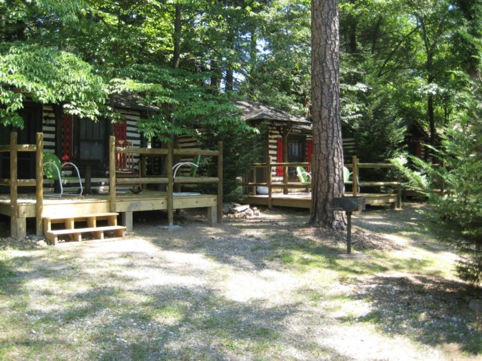There are 21 tiny log cabins, each with wireless access, as well as air conditioning to stay cool in the summer months.