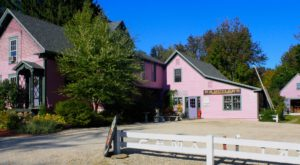 The Tiny Town In New Hampshire That's Absolute Heaven If You Love Antiquing