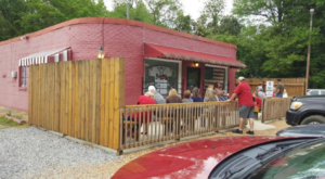 The Alabama Steakhouse In The Middle Of Nowhere That's One Of The Best On Earth